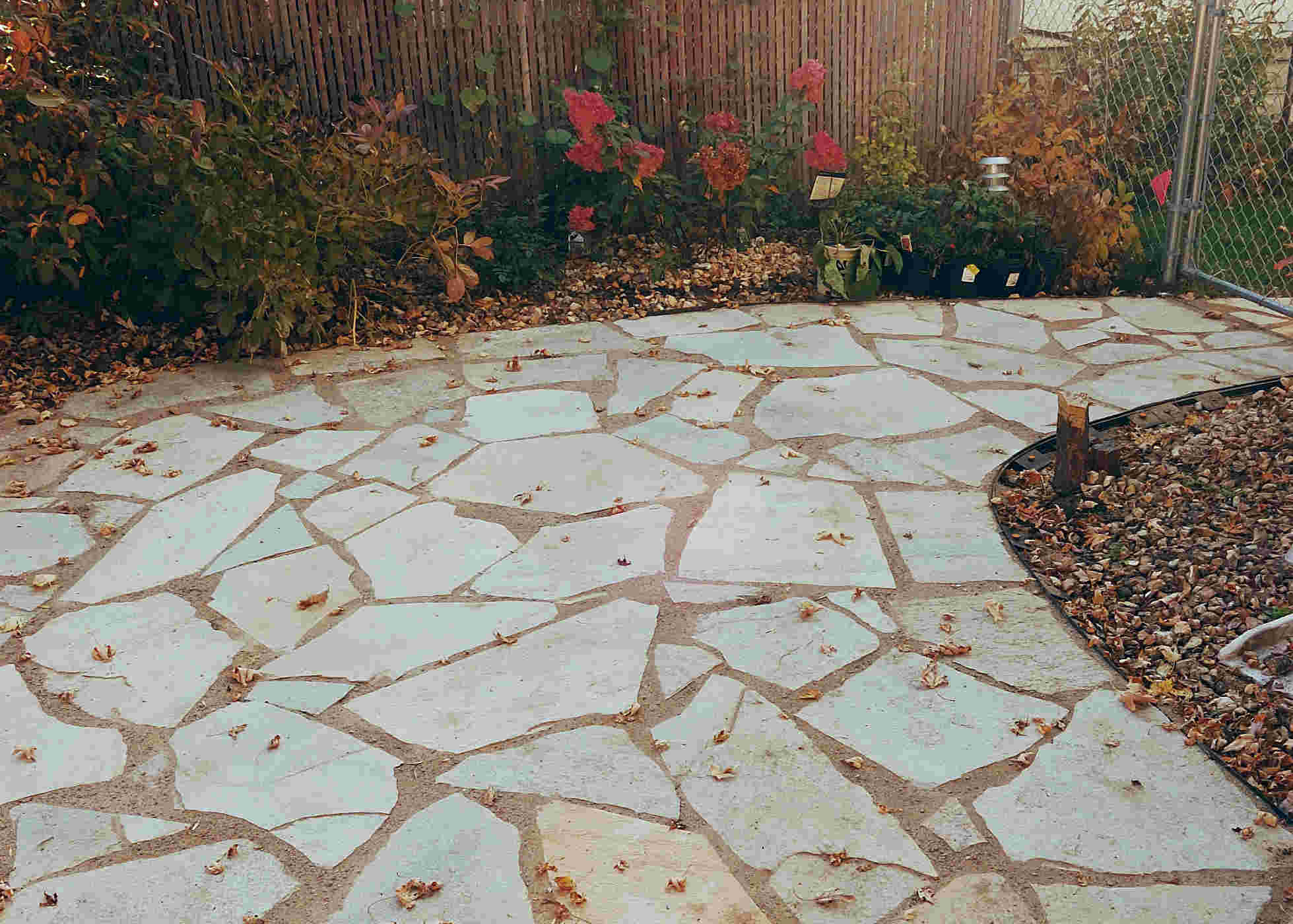 Image gallery natural stone patio for Pictures of stone patios